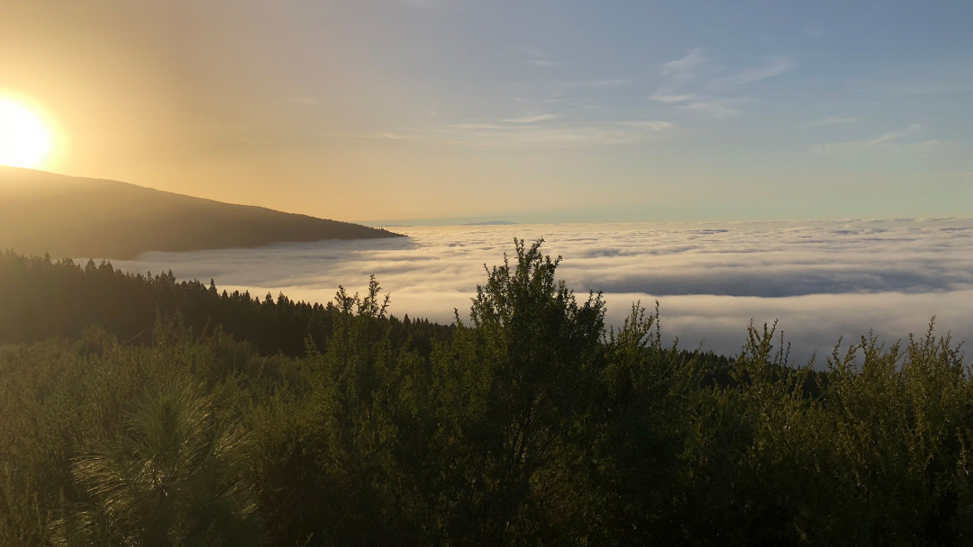 Teneriffa_LaOrotava_Teide_Clouds_Sunset_2_16_9