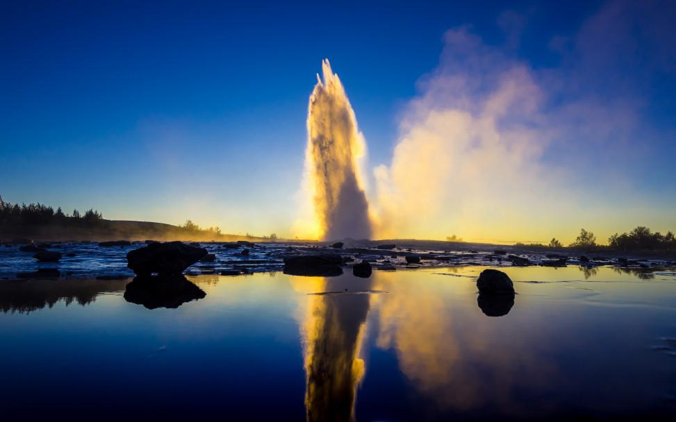 Geysir_Sunset_Iceland-5104353_Pixabay