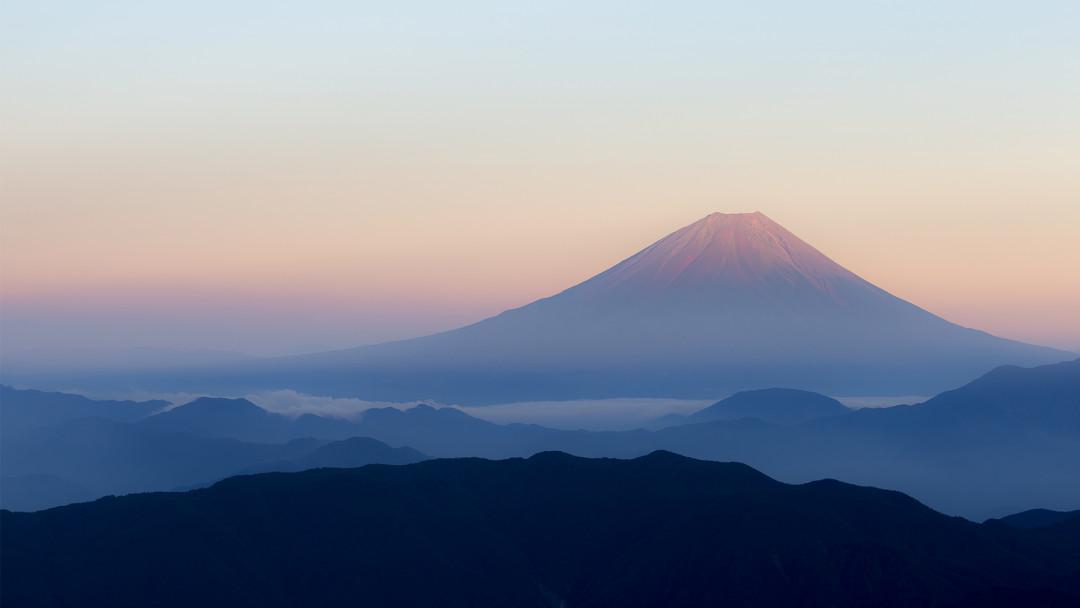 Fuji_Sonnenaufgang_16_9_(c)_Shutterstock