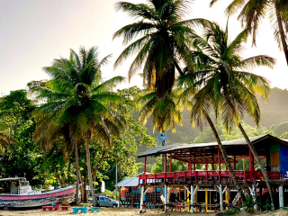 Tobago_Beach_Restaurant_Boat_16_9